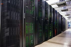 Преимущества и недостатки серверных шкафов и стоек